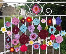 brighouse-yarn-bombers